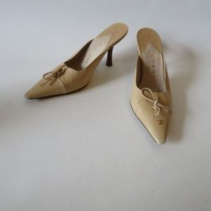 CHANEL NUDE LEATHER POINTED SLIP-ON MULES 5.5 *